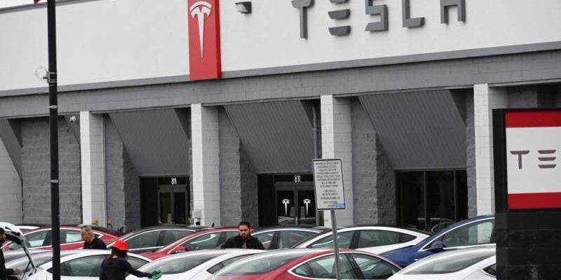 Tesla ya no aceptará bitcoines como forma de pago