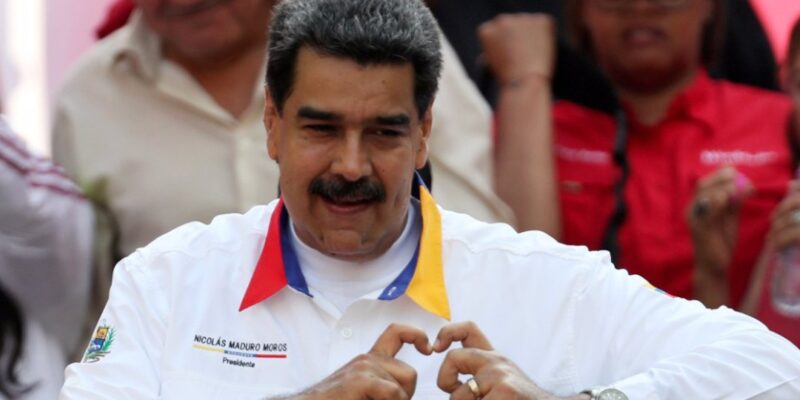 """Maduro anuncia creación de la """"ventanilla única de comercio exterior"""""""