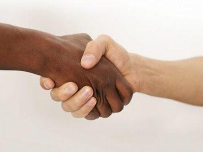 Doble Llave - Bachelet insistió en dejar de negar el racismo y centrarse en combatirlo