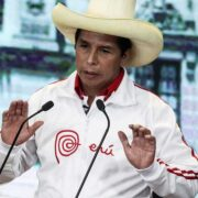 """Pedro Castillo denunció """"actos violentos"""" cometidos contra sus partidarios"""