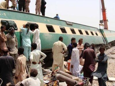 Choque de trenes dejó más de 40 fallecidos en Pakistán