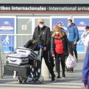 DOBLE LLAVE - Argentina comenzó a aplicar el cupo de ingreso al país de 600 viajeros por día