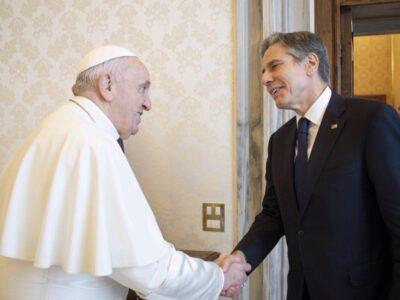 Se trata de la primera reunión del papa Francisco con representantes del presidente estadounidense, Joe Biden
