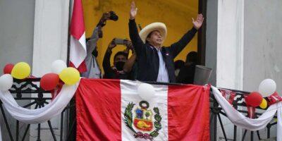 Castillo iniciará su mandato presidencial en Perú con 53 % de aprobación