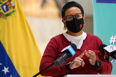 Erika Farías informó que se inmunizaron cerca de 8 mil adultos mayores