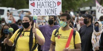 Miles de personas marcharon en apoyo a víctimas de atropello de familia musulmana en Canadá