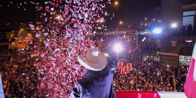 Sin resultados oficiales del JNE, Pedro Castillo asumió tácitamente triunfo electoral