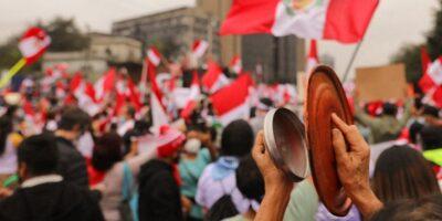 Perú cumplió una semana sin saber quién es su nuevo gobernante