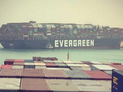 DOBLE LLAVE - Canal de Suez supera récord de ingresos pese al bloqueo del Ever Given