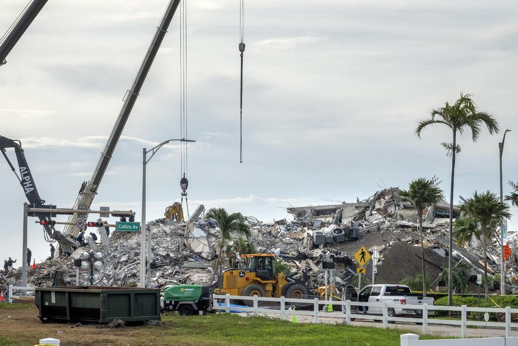 DOBLE LLAVE - Cifra de fallecidos por derrumbe de edificio en Miami-Dade asciende a 90