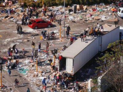 Al menos 117 muertos por violencia en Sudáfrica