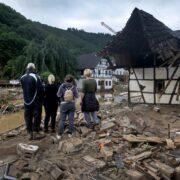 Ascienden a 165 los fallecidos en inundaciones al oeste de Alemania