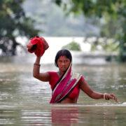 Aumentan a 138 los muertos por fuertes lluvias en el oeste de la India