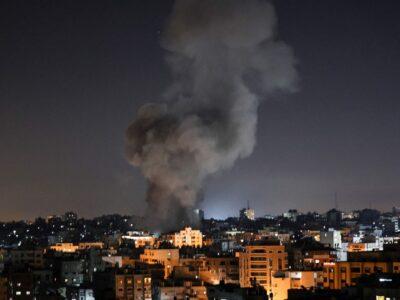 Israel bombardea objetivos de Hamás tras lanzamiento de globos incendiarios