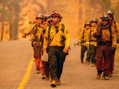 Más de 22.000 bomberos combaten 86 grandes incendios en EE.UU.