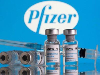 Expertos debaten una posible tercera dosis de Pfizer en EE.UU.