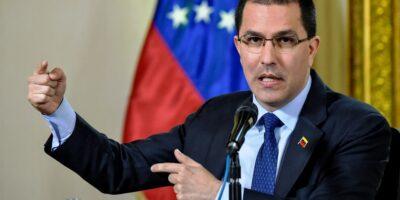 Arreaza negó que atentado contra Duque haya sido planeado en Venezuela