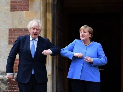 """Merkel y Johnson pactan """"nuevo capítulo"""" en las relaciones Londres-Berlín"""