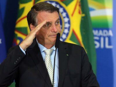 Policía brasilera abre investigación para determinar si Bolsonaro prevaricó en compras de vacunas