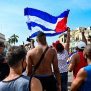 Reportan un fallecido durante protestas antigubernamentales en Cuba