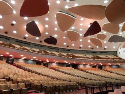 El Aula Magna de la UCV recobró la luz tras 493 días en oscuridad