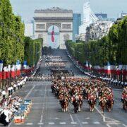 Tapabocas y certificado de vacunación serán solicitados para desfile militar en París