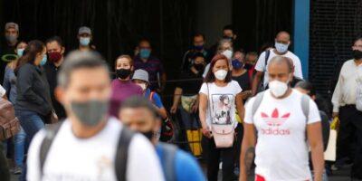 Maduro informó que el esquema 7+7 se mantendrá en el país