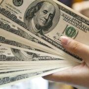 BCV podría estar inyectando menos divisas a la banca