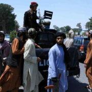 DOBLE LLAVE - Talibanes llegan a Kabul, la capital de Afganistán