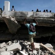 Bandas armadas de Haití pactan tregua para permitir la ayuda humanitaria por el terremoto