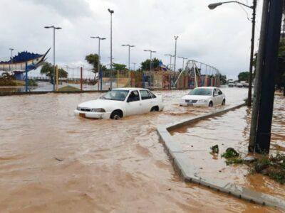 Fuertes lluvias causaron el desbordamiento de ríos en La Guaira