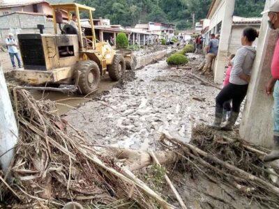 Maduro firmó un Decreto de Emergencia para estados afectados por las lluvias