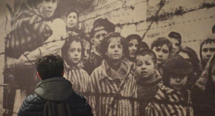 Polonia aprobó una ley criticada por Israel al afectar propiedades de víctimas del Holocausto