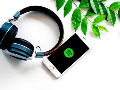 Spotify ya permite añadir vídeos a sus podcasts