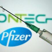 Tercera dosis de la vacuna de Pfizer/BioNTech brindaría protección del 95,6%