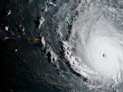 DOBLE LLAVE - Ciclón Nicholas se acerca a Texas y el noroeste de México