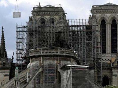 DOBLE LLAVE - Finalizan trabajos de seguridad en la catedral de Notre Dame