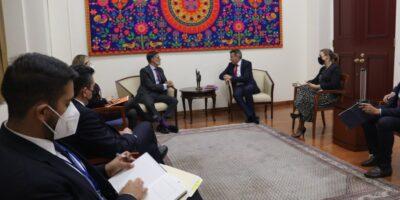 Gobierno de Maduro fortalece cooperación con Cruz Roja Internacional y PNUD
