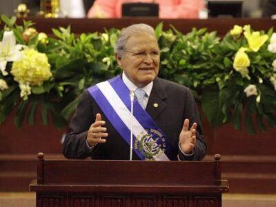 DOBLE LLAVE - Interpol retiró la alerta roja para detener al expresidente salvadoreño Salvador Sánchez
