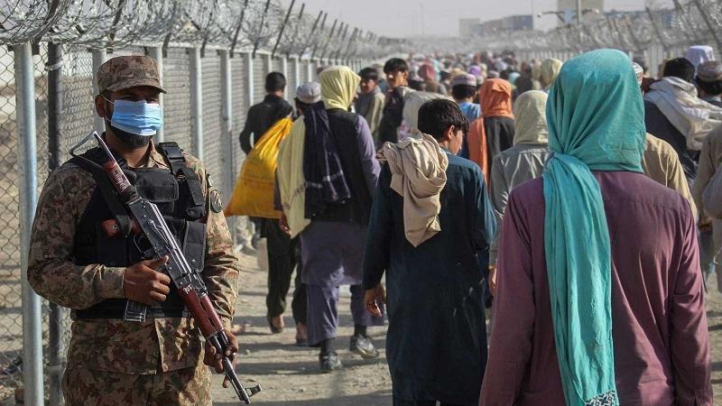 """Irán pide """"un papel más activo"""" de ACNUR ante la crisis en Afganistán"""