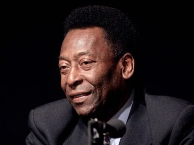 """DOBLE LLAVE - Pelé continúa """"recuperándose bien"""" tras un """"pequeño"""" retroceso"""