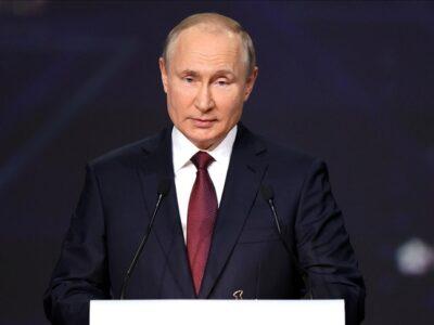 DOBLE LLAVE - Putin defendió la victoria de su partido ante las denuncias de fraude