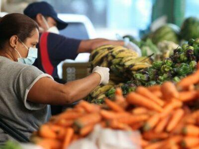 Los consumidores nacionales están dependiendo de los productos hechos en el exterior, según la ONG Ciudadanía en Acción