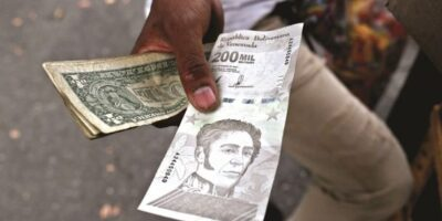 Economista sostiene que el país atraviesa una leve recuperación