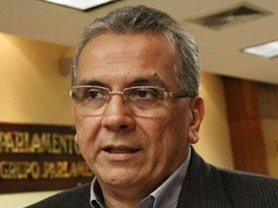 Reconversión no resolverá el problema macroeconómico, según Rodrigo Cabezas