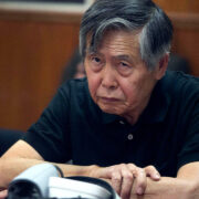 DOBLE LLAVE - Alberto Fujimori fue trasladado a una clínica por problemas de salud