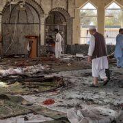 Al menos 40 muertos y 75 heridos en atentado a una mezquita chií afgana