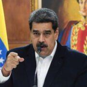 Maduro convocó a los estudiantes a incorporarse presencialmente a las clases