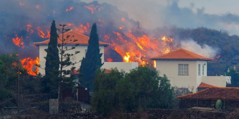 Lava del volcán de La Palma avanza sin que se vislumbre el fin de la erupción