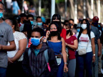 A pesar del aumento constante de los casos en todo el territorio nacional, el gobierno tomó la decisión de suspender temporalmente el confinamiento radical